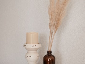 Selling: Petite Pampas in Twined Amber Bottle